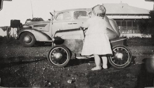 1942_ian__cars